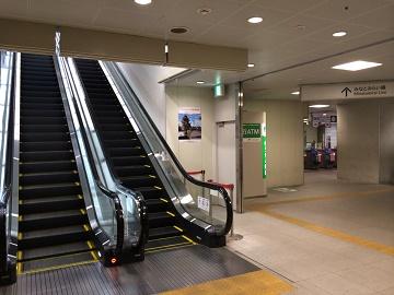 みなとみらい線「元町・中華街駅」改札口6番出口エスカレーター