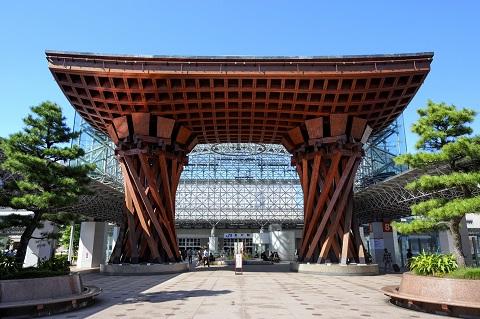 JR金沢駅の鼓門